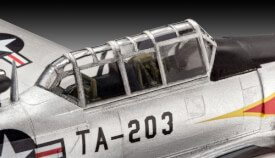 REVELL 03924 Modellbausatz T-6 G Texan 1:72, ab 10 Jahre